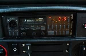 E30 Radio