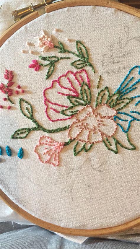 simple design  running stitch   knot