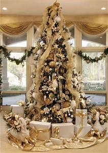 Ten Steps To A Spectacular Christmas Tree