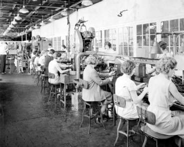 Women in the Industrial Workforce - Ohio History Central