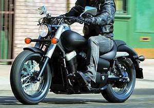 Honda Shadow 750 Fiche Technique : honda vt 750 shadow c2b black spirit 2012 fiche moto motoplanete ~ Medecine-chirurgie-esthetiques.com Avis de Voitures