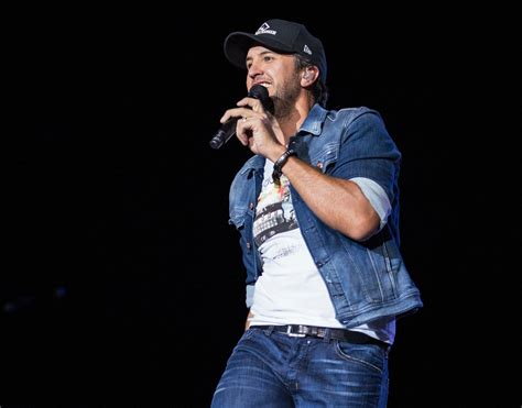 #KillTheLights with #LukeBryan! Get your tickets today ...