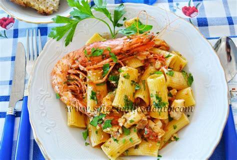 cuisiner le merou rigatoni des pouilles sauce mérou et crevettes violettes