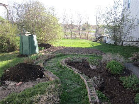 vegetable garden plot robins key