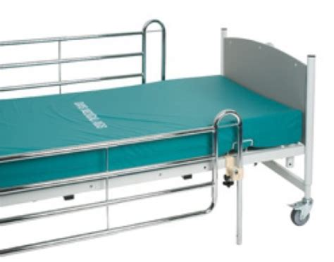 Elderly Bed Rails by Bed Rails For The Elderly Increased Safety Whilst Sleeping