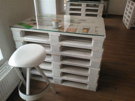 deco chambre avec palette un meuble en palette beaucoup des possibilitées