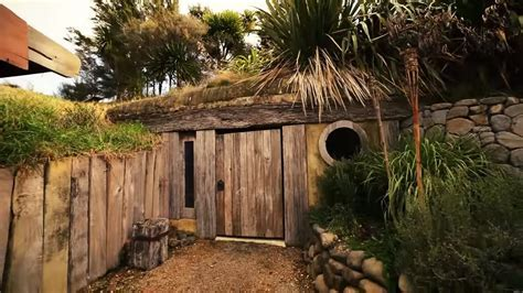 Off Grid Hobbit like Cave Home Built into a Hillside