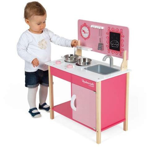 cuisine mademoiselle janod cuisinière en bois mini cuisine mademoiselle jeux et