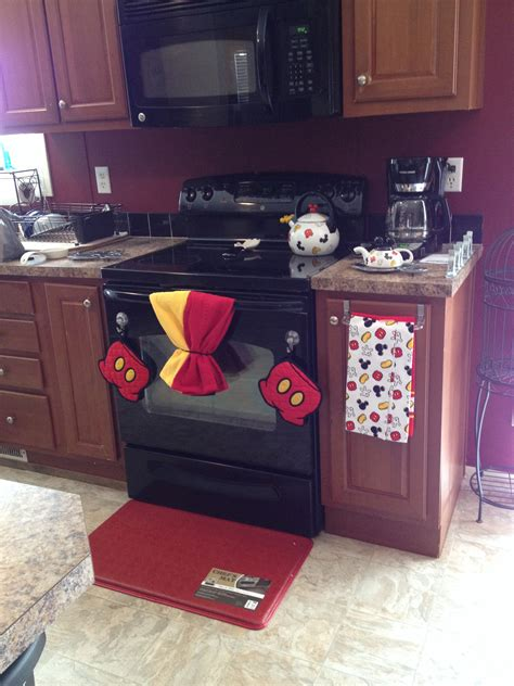 Mouse In Kitchen What To Do by Mickey Mouse Kitchen Chrispnic We Need To Do This For