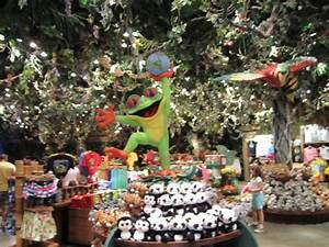 Rain Forest Cafe Shop Marketplace Downtown Disney Vacation