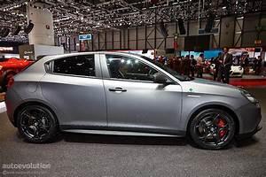 Alfa Romeo Giuletta : alfa romeo giulietta quadrifoglio verde debuts at geneva 2014 live photos autoevolution ~ Medecine-chirurgie-esthetiques.com Avis de Voitures