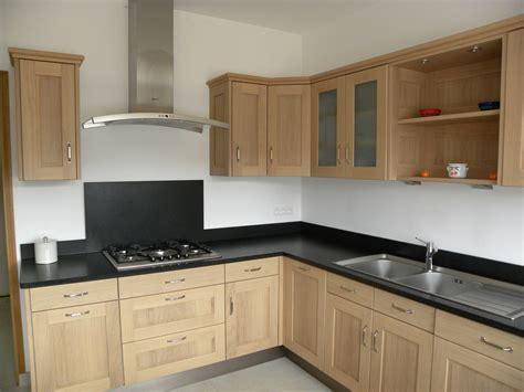 repeindre un meuble cuisine repeindre cuisine en bois awesome relooker une cuisine