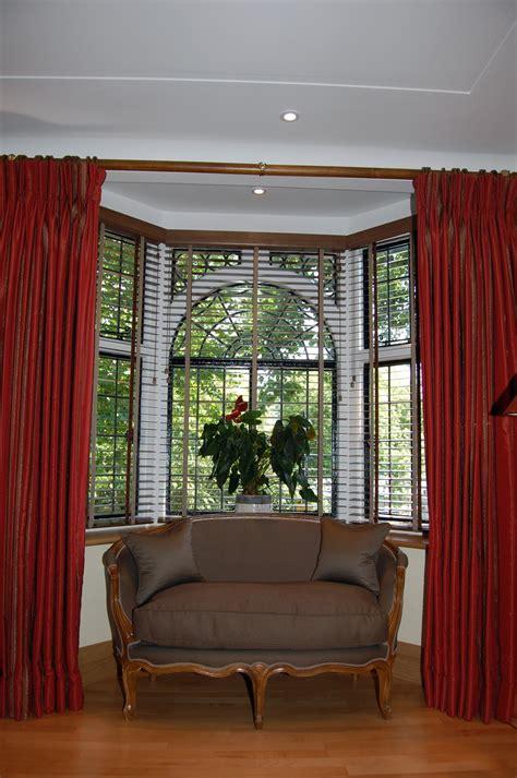 small bay windows home decor