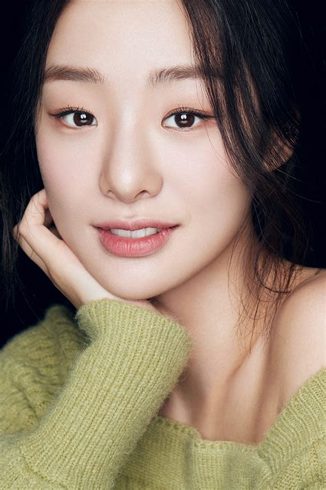 Who Is The 177cm Actress Acting As The Korean American ...