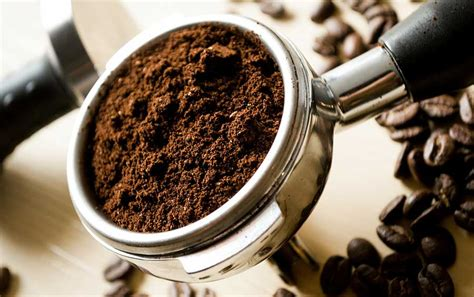 For people that are drinking coffee, they are drinking an average of 4.1 cups per day. How Much Caffeine In Coffee and How Much Caffeine Should You Be Drinking?