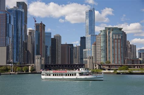 Best River Boat Tour In Chicago by Chicago Architecture Foundation Center River Cruise Aboard