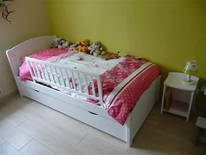Lit Fille Blanc : lit enfant nature blanc 90x190 cm ~ Teatrodelosmanantiales.com Idées de Décoration
