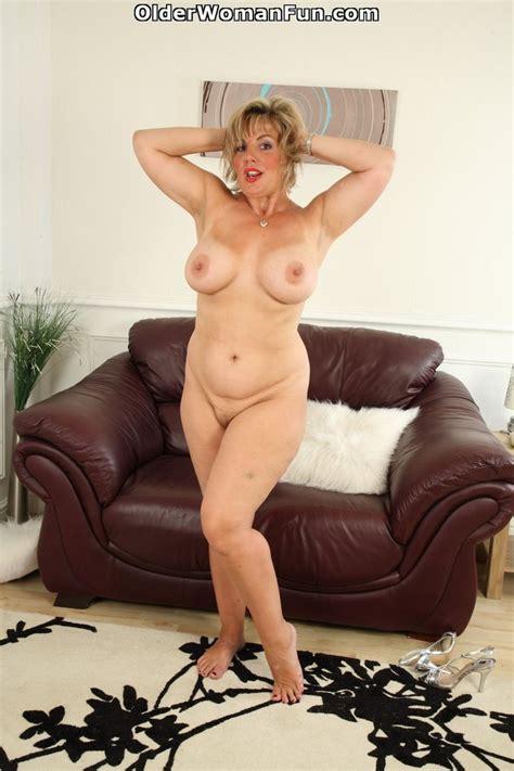 Year Old British Milf Danielle Shows Her Natural Big