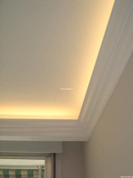 le de plafond pour chambre les 25 meilleures idées de la catégorie moulure plafond