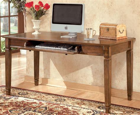 wooden legs writing desk