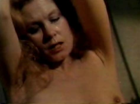 elizabeth montgomery sucking cock nude mega porn pics