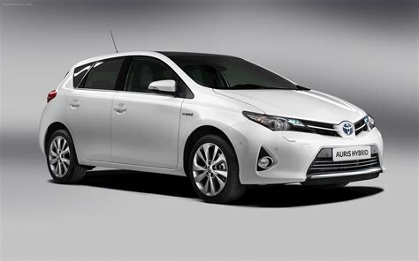 Range Hybrid Cars by The Range Of Hybrid Cars From Toyota Auris Camry