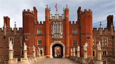 hampton court palace sightseeing visitlondoncom