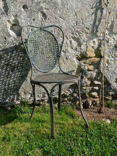 chaise de jardin ancienne xixe en fer forg 233 cannage m 233 tallique antiquit 233 s du jardin fontaines