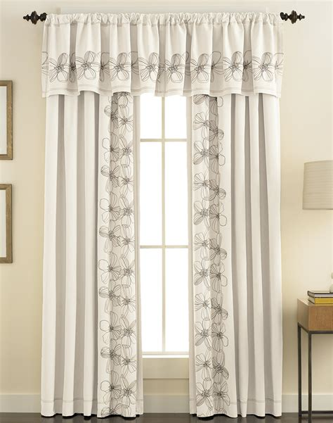 jcpenney white blackout curtains curtain windows with curtains jamiafurqan interior