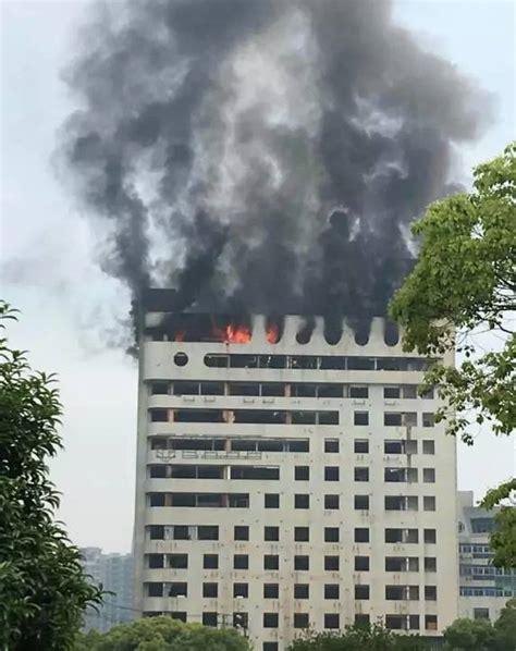 南昌八一广场附近大楼起火原因已查明,现场居然隐藏十几处火灾隐患!_社会_长沙社区通