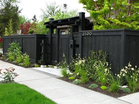 privacy fence ideas for front yard home garden designs small front yard landscaping ideas townhouse for sale