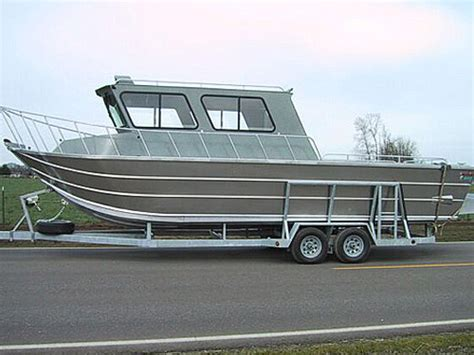 Images of Ocean Aluminum Boats