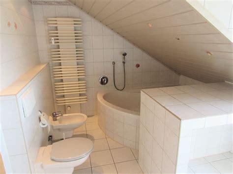 Badezimmer Mit Eckwanne by Immobilien Br 252 Hl 4 Zimmer Wohnung Mit 110 M 178