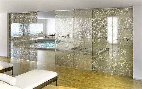 muri in vetro per interni eleganti pareti divisorie scorrevoli in vetro per