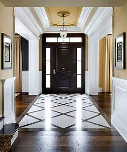 Why Choosing a Foyer or Entry Wall Colors is Tricky