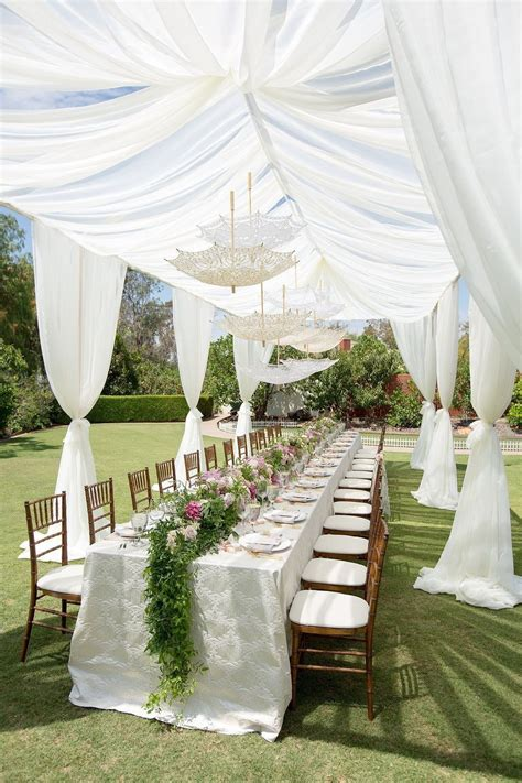 Cheap But Elegant Outdoor Wedding Centerpieces Ideas 91