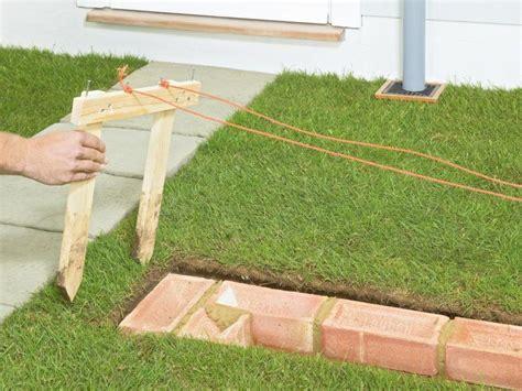 stützmauer bauen anleitung gartenmauer aus ziegelsteinen selber bauen anleitung diy garten mauer