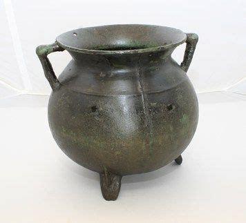 cauldrons images  pinterest medieval middle ages  cauldron