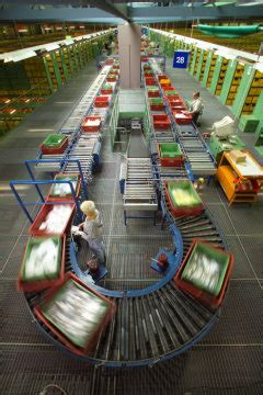 jahre global logistics center germersheim daimler