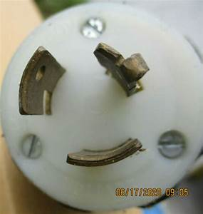 Leviton 3 Wire 20a 125  250v Tab Out Lot Of 12 Twist Lock