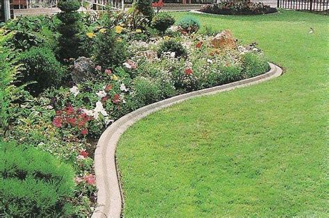 concrete lawn edging landscape edging ideas casual cottage