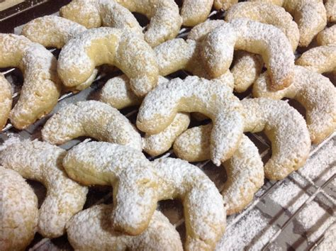 Famous austrian christmas cookies, just as popular in germany as they are in austria. Austrian Holiday Cookies | Recipe | Holiday cookies ...