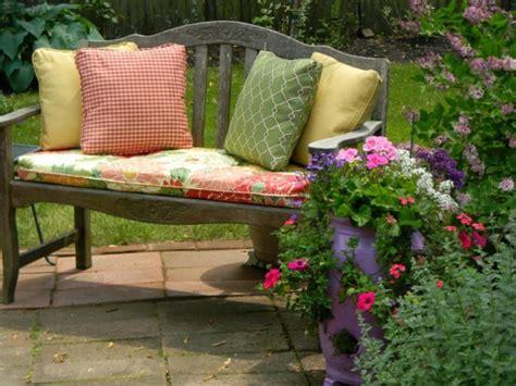 coussins pour chaises de jardin le coussin pour chaise du jardin archzine fr