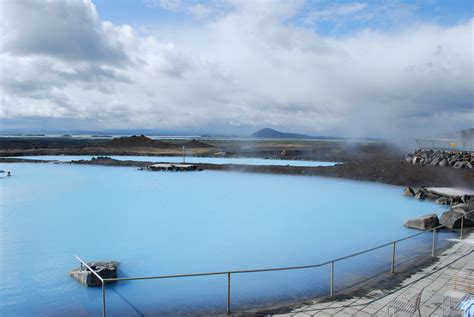 File:Blue Lagoon in Mývatn (3).jpg - Wikimedia Commons