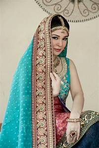 Ayesha Umer In Stunning Bridal Jewelry & Make up ...