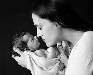 Natural in home baby pictures. | Photoworks