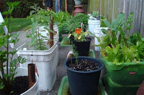 Small Vegetable Garden Ideas-a Green Hand