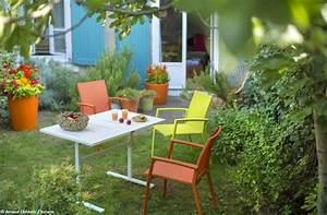 un salon de jardin colore joli place With idee de deco jardin exterieur 1 un salon de jardin chic 224 prix doux joli place