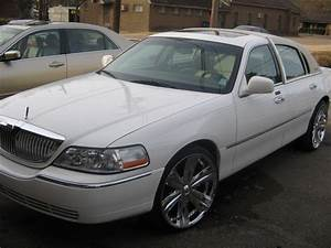 Tkinnel 2005 Lincoln Town Car Specs  Photos  Modification Info At Cardomain