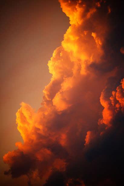 orange wolken bei sonnenuntergang kostenloses stock bild